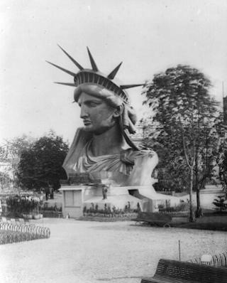 Estatua de la Libertad, Exposición Universal París