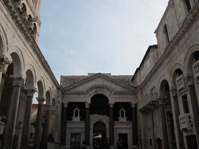 El Peristilo y el balcón imperial, Split